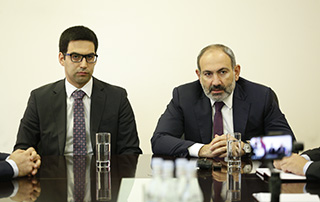 PM introduces newly appointed Minister Rustam Badasyan to the staff of the Ministry of Justice