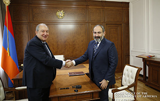Nikol Pashinyan offers birthday greetings to President Armen Sarkissian