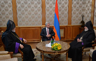 PM hosts Catholicos of All Armenians and Catholicos of Great House of Cilicia