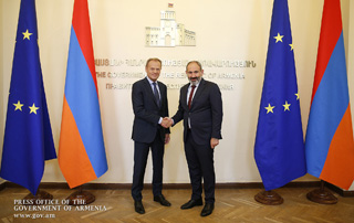 Nikol Pashinyan, Donald Tusk discuss prospects for development of EU-Armenia relations