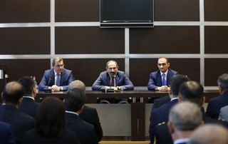 Nikol Pachinyan a chargé le Comité des recettes d'Etat de contribuer à l'entrepreneuriat et de poursuivre la réduction de l'économie souterraine