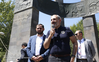 Nikol Pashinyan meets with Jermuk residents