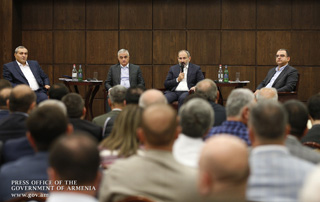 """Government eager to see successful producers and increased production volumes"" - Nikol Pashinyan meets with entrepreneurs from different sectors of the economy"