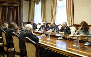 Премьер-министр принял делегацию секретариата Международной организации Франкофонии