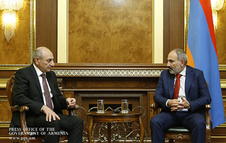 Meeting held between Nikol Pashinyan and Bako Sahakyan