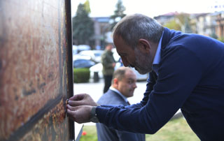 PM lays the last piece of a puzzle as part of the initiative aimed at addressing the housing needs of Gyumri residents