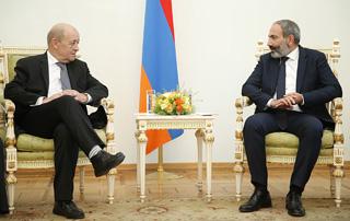 Никол Пашинян и Жан-Ив Ле Дриан обсудили вопросы армяно-французской повестки