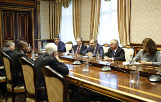 PM receives delegation of Secretariat of International Organization of La Francophonie