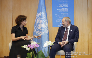 Prime Minister meets with UNESCO Director-General in Paris