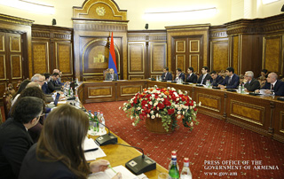 """Digitization is a key quality component in public services"" - Prime Minister holds meeting on Armenia's digital agenda"