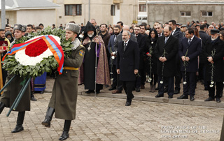 PM commemorates 1988 earthquake victims; attends housewarming ceremony in Lori Marz