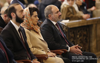 PM and his spouse attend Christmas and Epiphany Mass