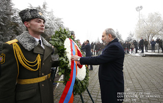 PM pays homage to victims of Armenian pogroms in Baku