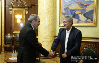 PM receives prominent astrophysicist Garik Israelyan