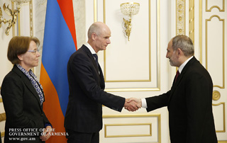 Nikol Pashinyan, Stef Blok discuss Armenian-Dutch relationship development propsects