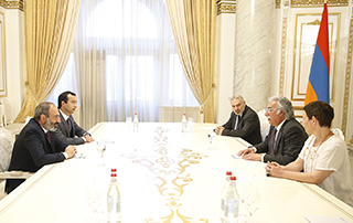 Nikol Pashinyan, Sam Simonian discuss possibilities for implementing new projects in education