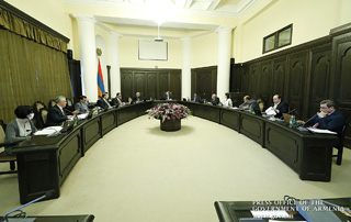 Labor-oriented educational programs discussed in Government