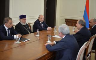 Հայաստանի և Արցախի աշխարհիկ ու հոգևոր առաջնորդների համատեղ կոչը Ապրիլի 24-ի կապակցությամբ