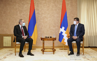 PM Pashinyan, Artsakh Republic President hold private talks in Stepanakert