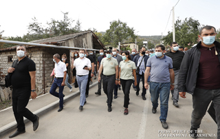 PM Pashinyan, Anna Hakobyan visit border communities in Tavush to get acquainted with the ongoing rehabilitation process