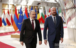 Talking to Charles Michel, Nikol Pashinyan stresses the inadmissibility of Turkey's involvement in hostilities