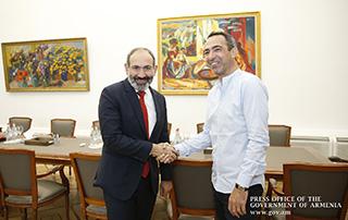Никол Пашинян принял Юрия Джоркаеффа и обсудил вопросы развития армянского футбола