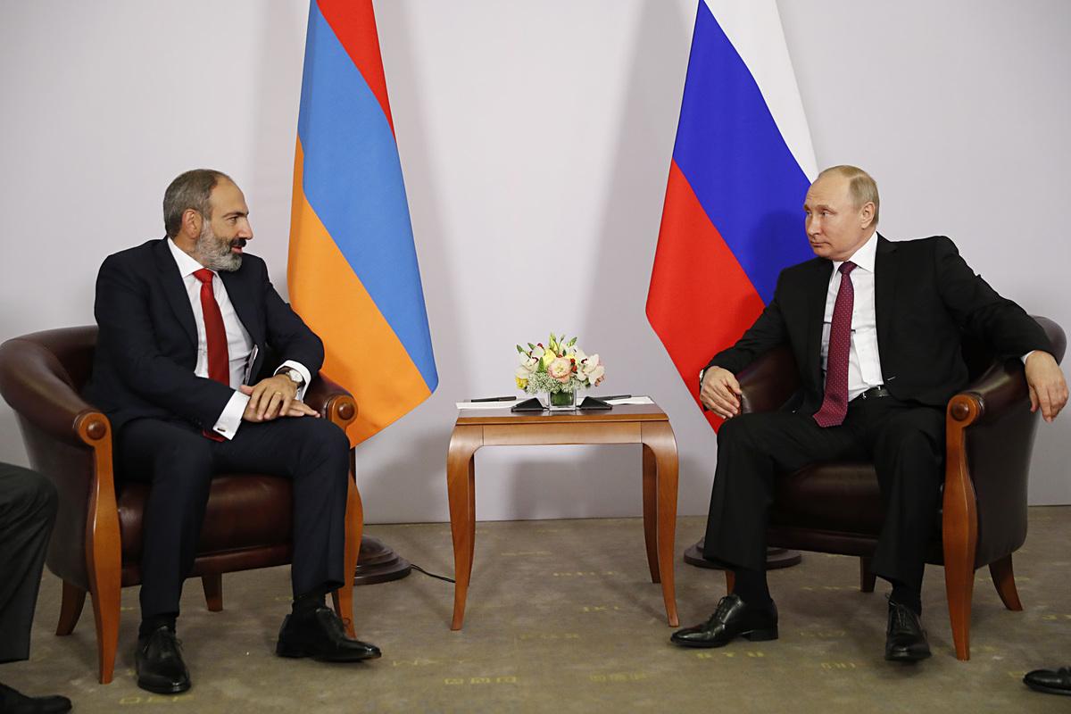 Степанакерт-Сочи-транзит: открытые и закрытые нюансы первой встречи Пашинян-Путин