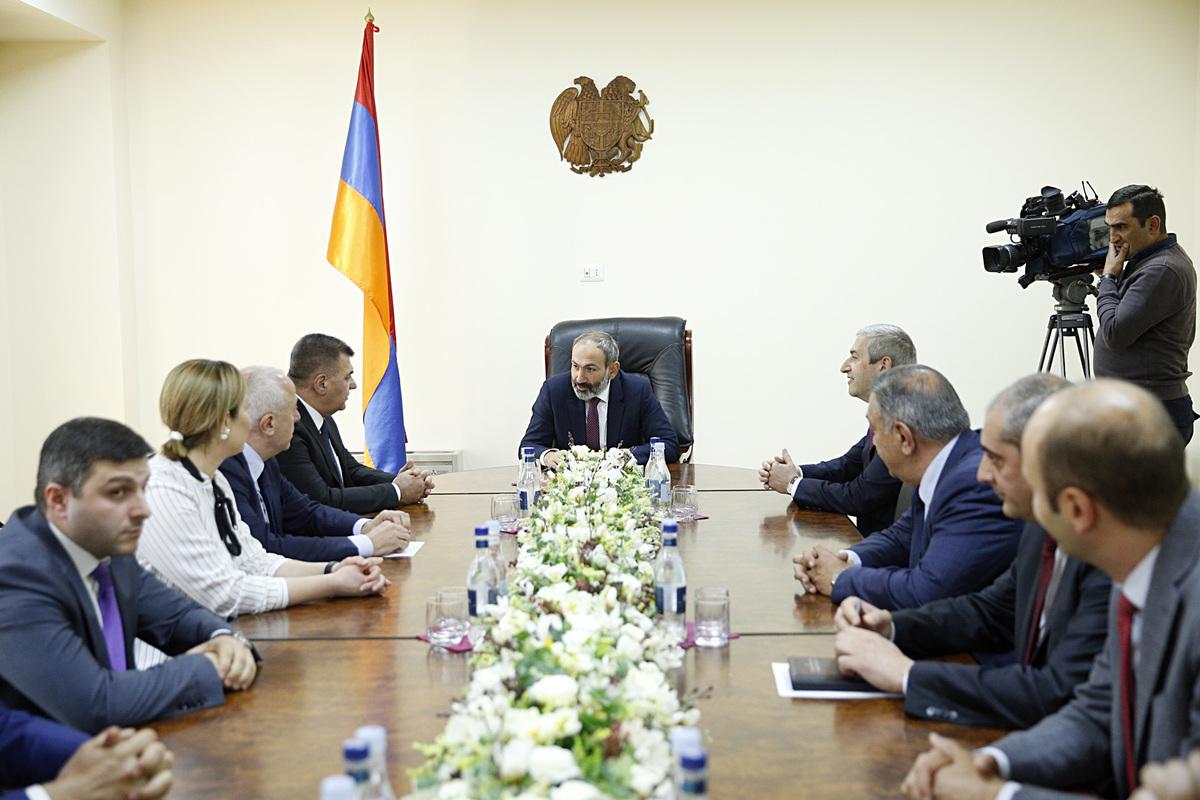 Премьер Армении Никол Пашинян представил новых министров
