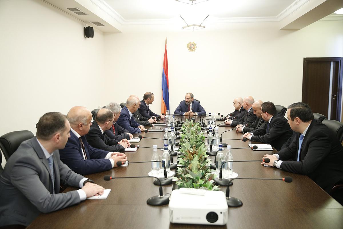 Никол Пашинян: Сфера безопасности является приоритетом для нормального развития Вооруженных сил