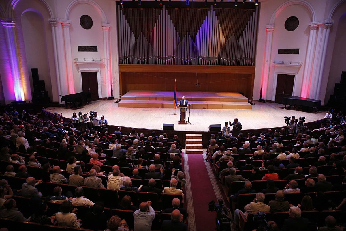 Глава Правительства Армении: Нашей задачей должна быть не сцена, а зал