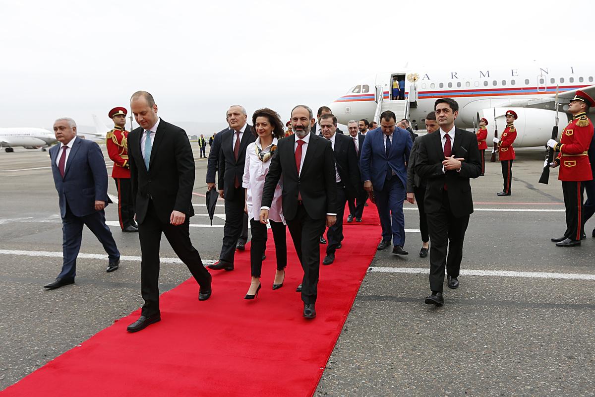 Никол Пашинян прибыл в Тбилиси