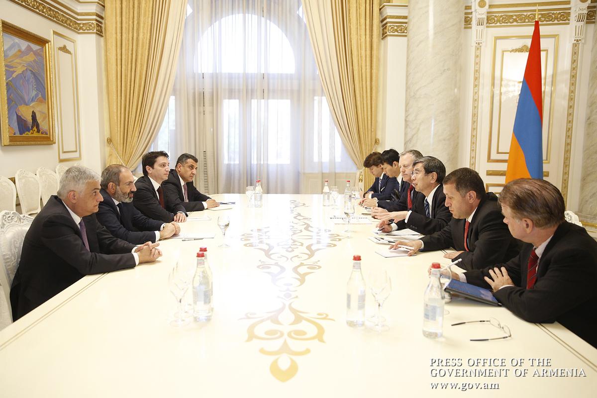 Премьер Армении и президент АБР обсудили процесс реализации программы строительства автомагистрали «Север-Юг»