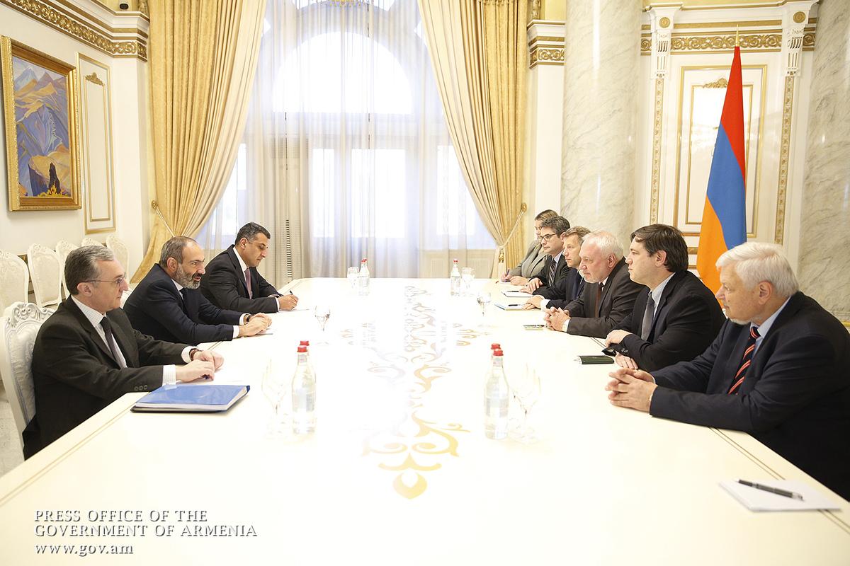 Сопредседатели МГ ОБСЕ заверили премьера Армении, что приложат максимум усилий для мирного урегулирования карабахской проблемы