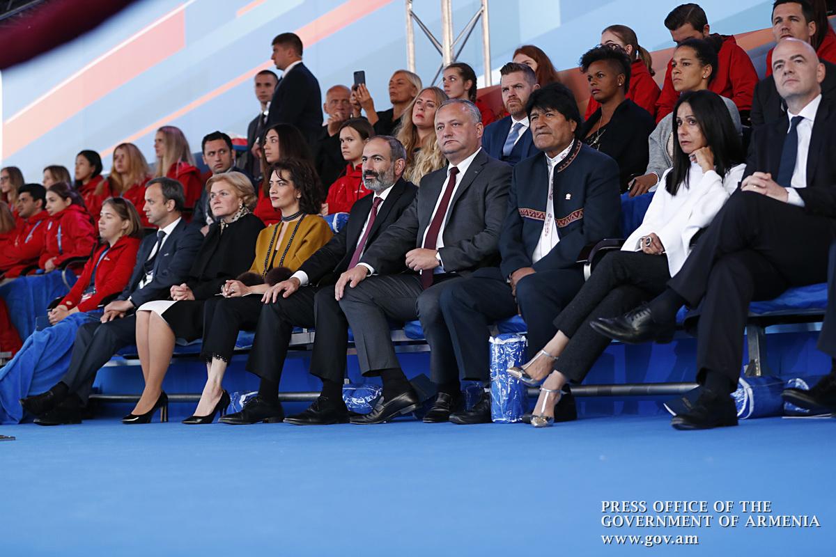 Никол Пашинян присутствовал на гала-концерте, посвященном Чемпионату мира по футболу на Красной площади