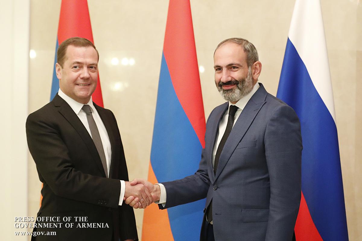 Пашинян – Медведеву: Отношения между Арменией и Россией развиваются действительно очень хорошо