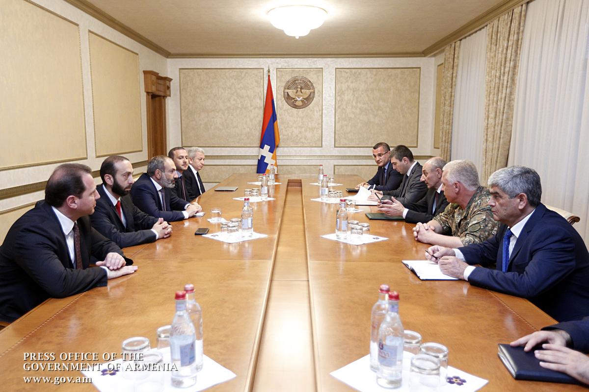 Никол Пашинян: Армения безоговорочно поддерживает политический курс Арцаха