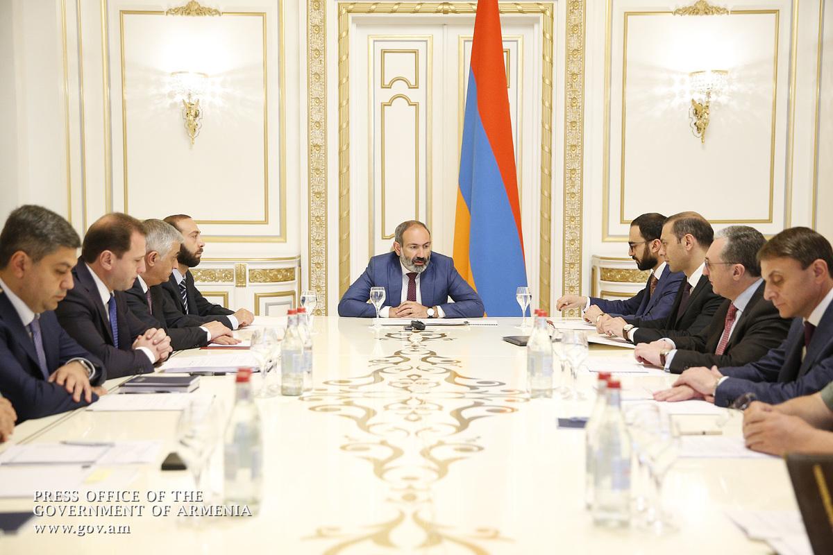 Армения готовится к противостоянию: что делать и для чего