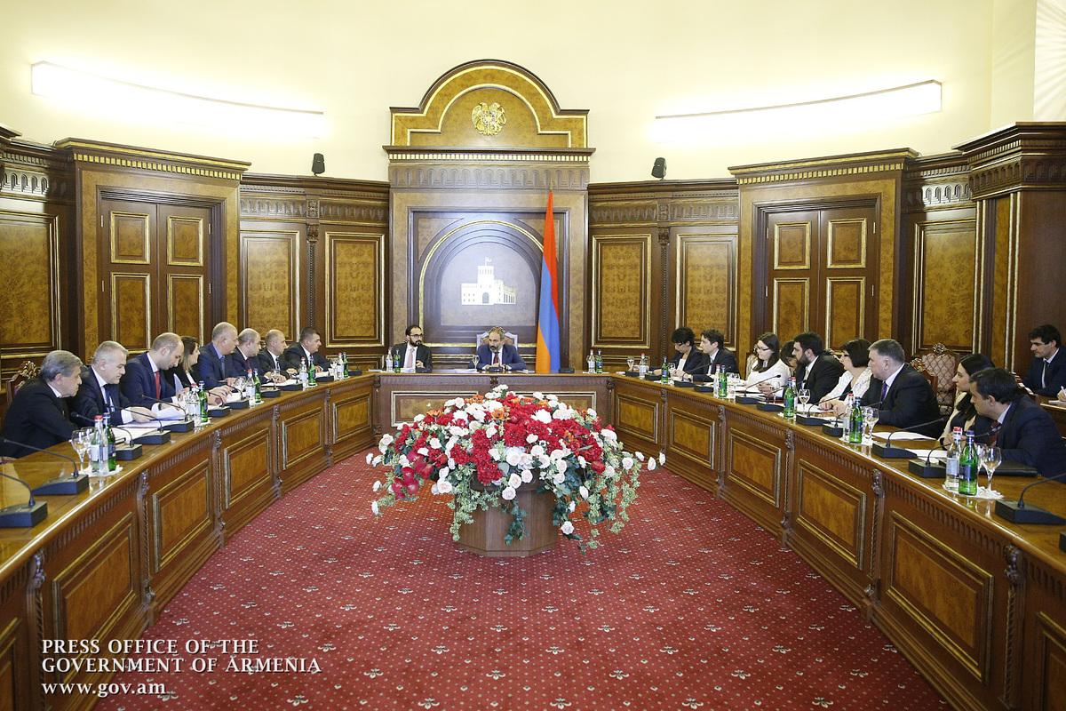 При нашем правительстве не должны строиться дороги сомнительного качества: на совещании у премьер-министра обсуждена программа «Север-Юг»