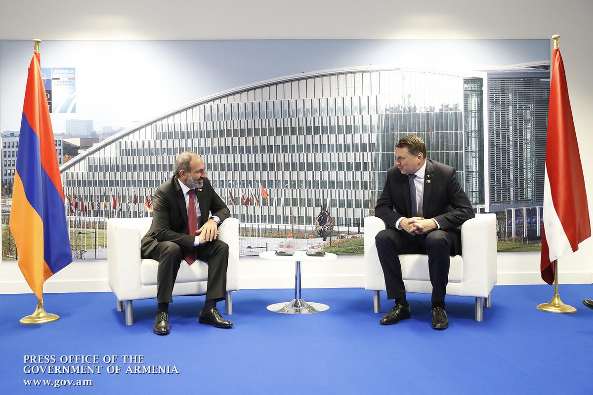 Премьер Армении и президент Латвии обсудили возможности расширения сотрудничества в экономической сфере
