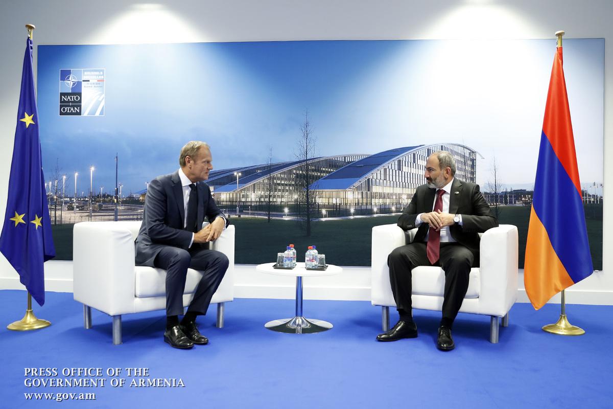 Никол Пашинян встретился с председателем Еврокомиссии Жаном-Клодом Юнкером и с председателем Евросовета Дональдом Туском