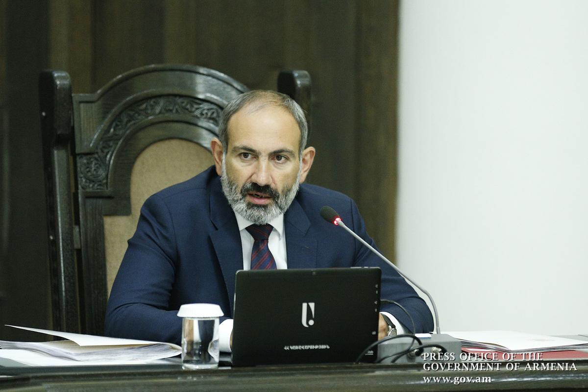 Пашинян: Продажа Белоруссией оружия Азербайджану – большая проблема для наших отношений