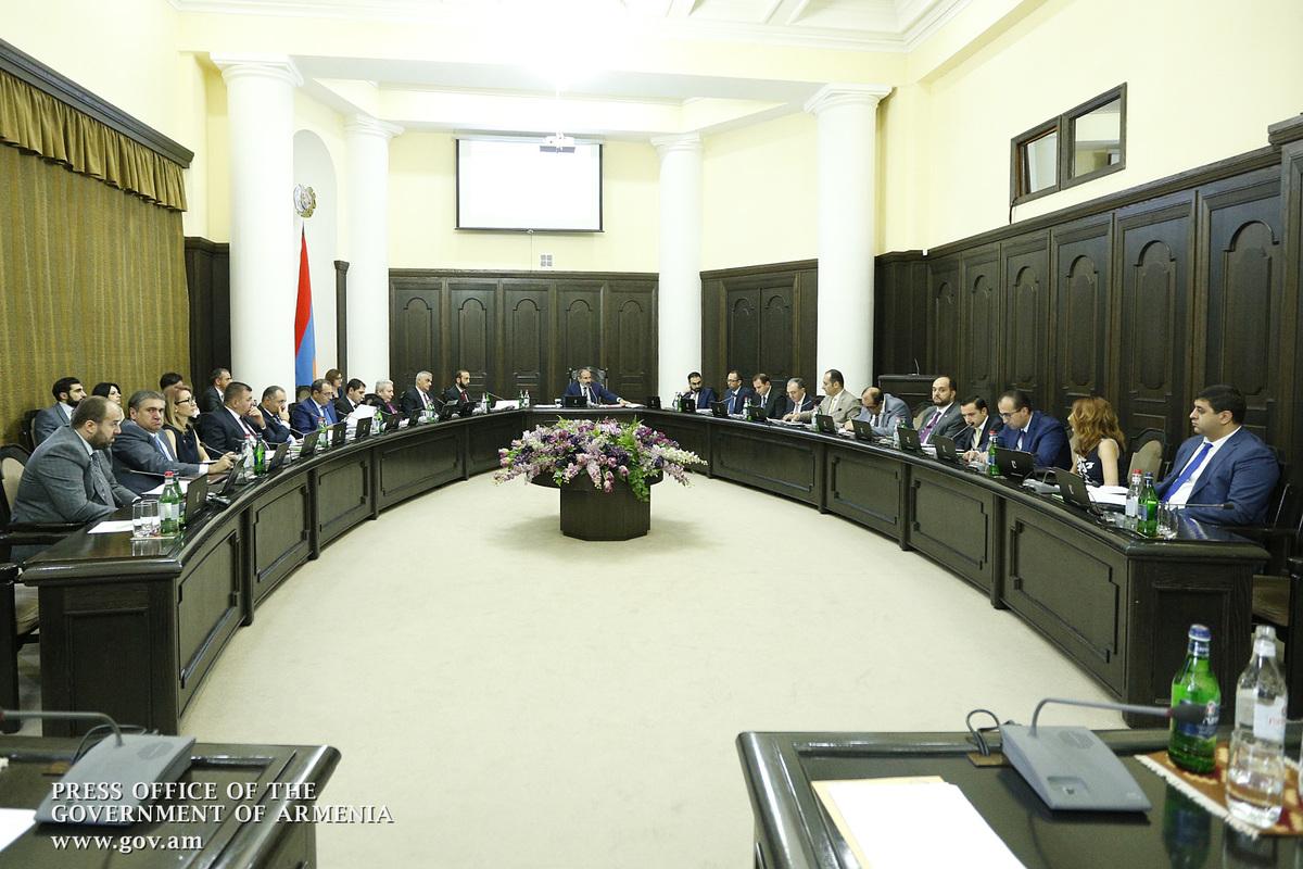«Семь раз отмерь, один раз отрежь»: Пашинян о принципе экономической политики правительства Армении
