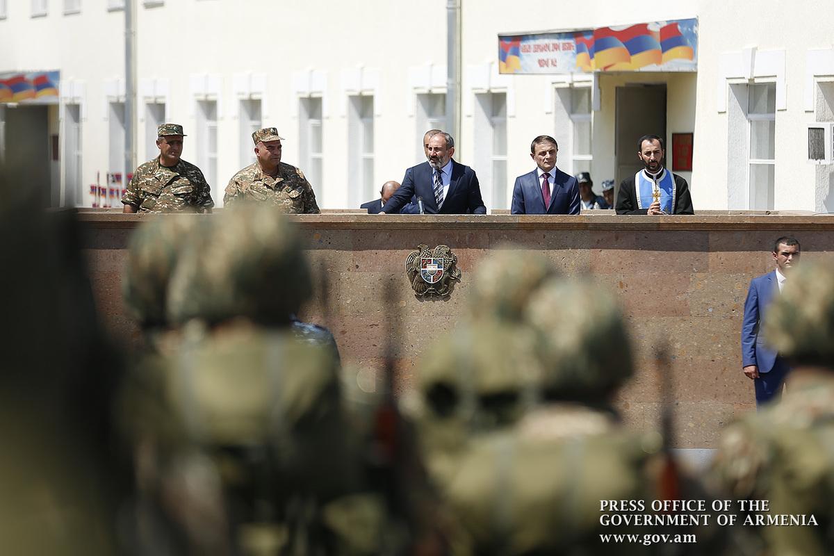 Никол Пашинян: Войска Полиции Армении приступают к боевому дежурству на границе