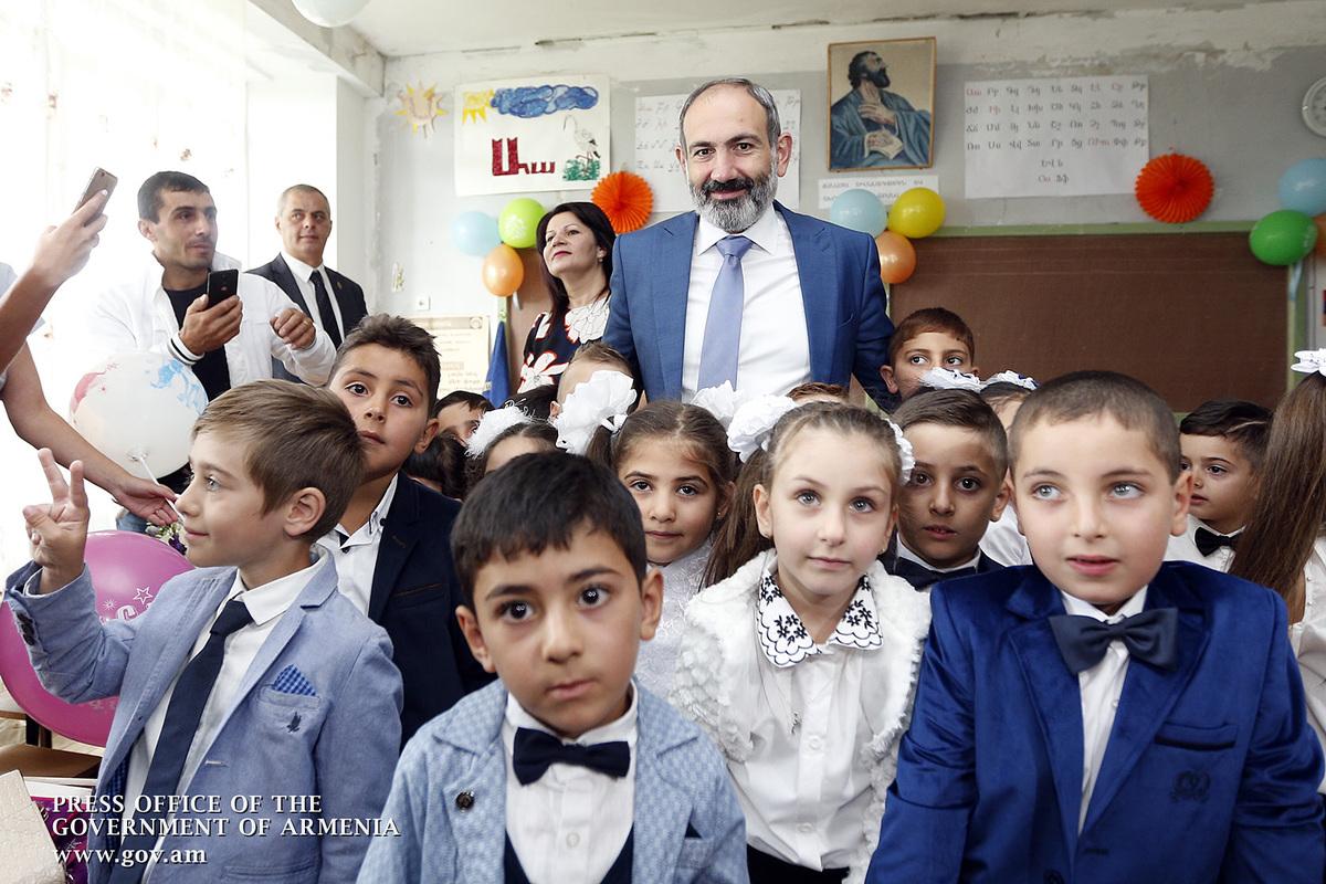 Премьер РА: В новой Армении школы должны готовить детей к полету