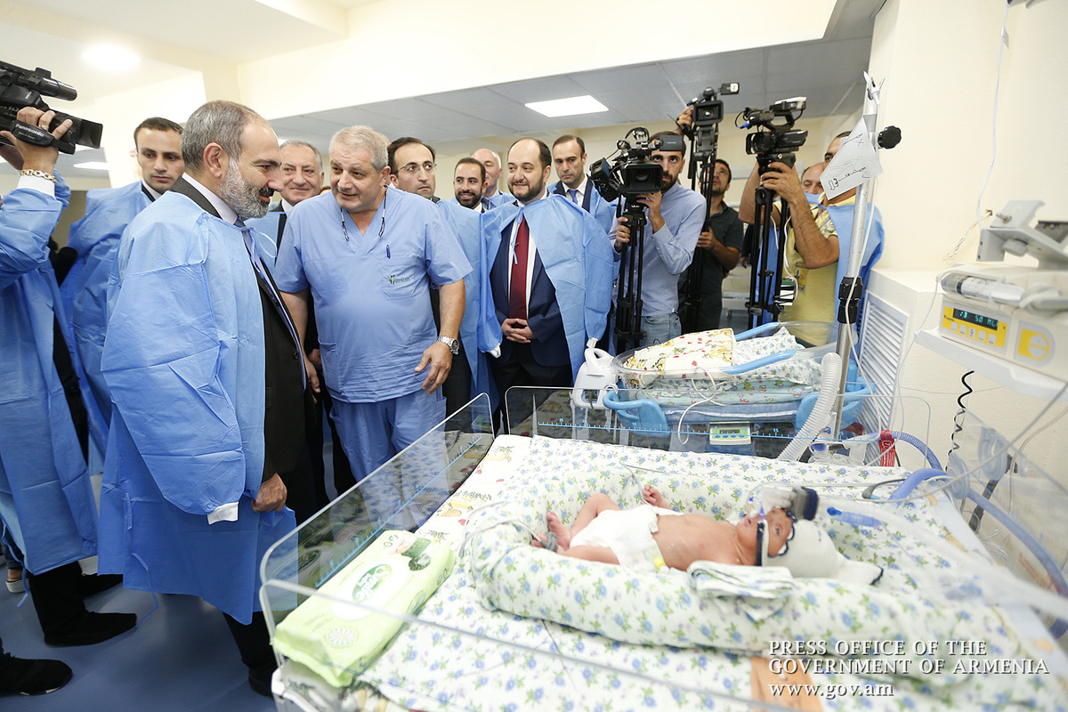 Премьер Армении Никол Пашинян присутствовал на церемонии открытия нового корпуса медцентра «Шенгавит»
