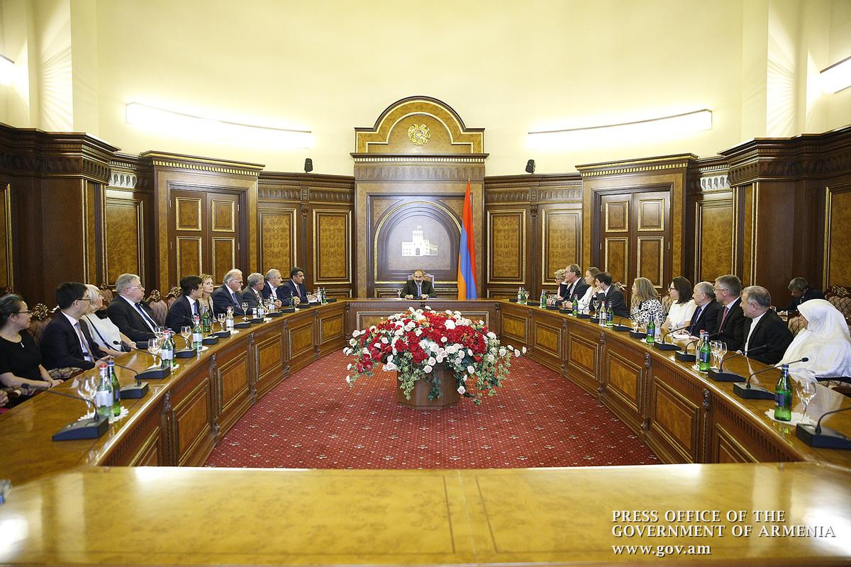 Никол Пашинян на встрече с послами: Шаги правительства Армении направлены на развитие и укрепление демократии в стране