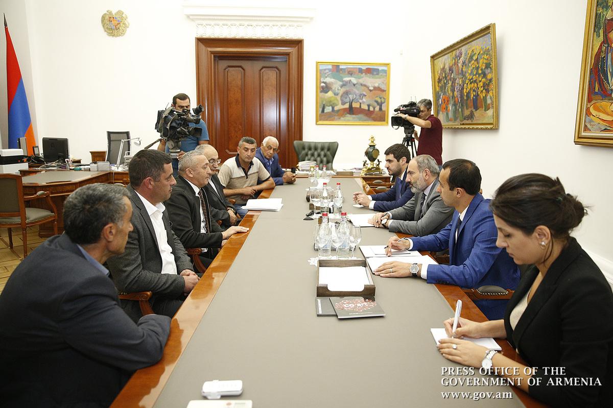 Премьер Армении Никол Пашинян выслушал проблемы арцвашенцев