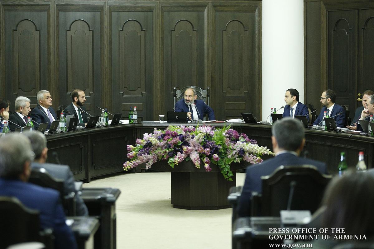Правительство Армении созывает внеочередное заседание