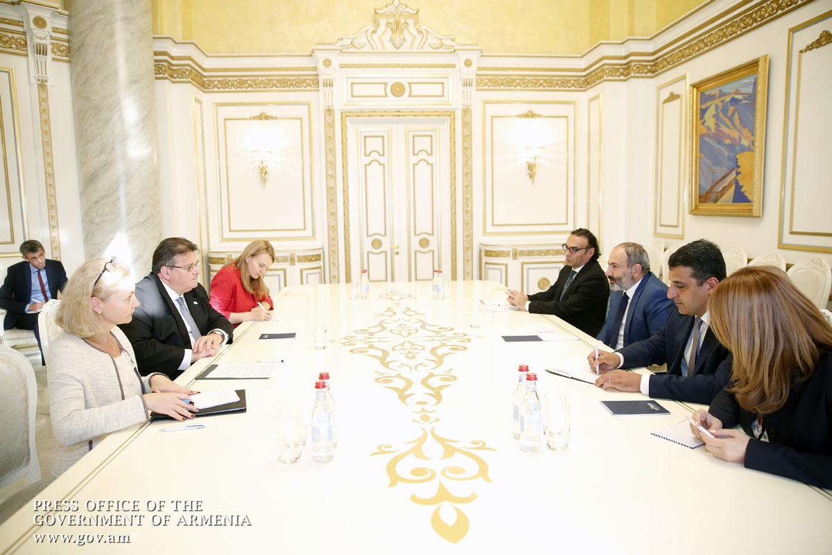 Никол Пашинян: Армения придает важность развитию и расширению сотрудничества с ЕС по разным направлениям