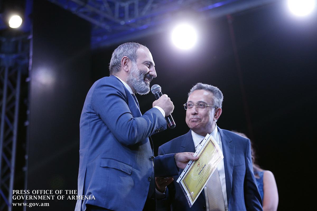 Премьер Армении: Я рад, что процесс моего обучения французскому языку удостаивается такого внимания